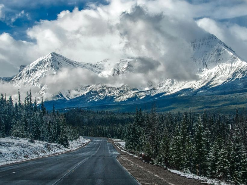 The highway to Jasper National Park