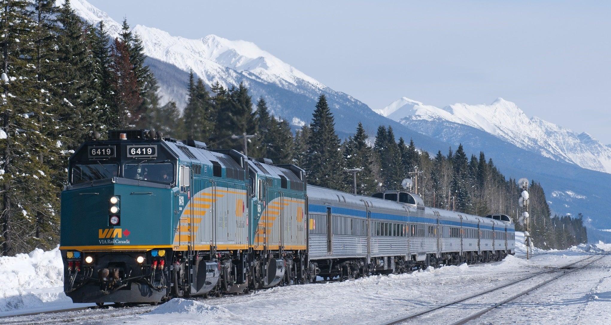 Jasper Train Tours Mount Robson British Columbia Sightseeing